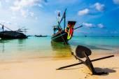 Ozdobný tradiční místní loď — Stock fotografie
