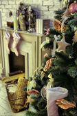 Christmas decorated room with rat fire place and Santa — Stockfoto