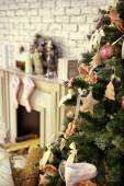 Christmas decorated room with rat fire place and Santa — Stock Photo