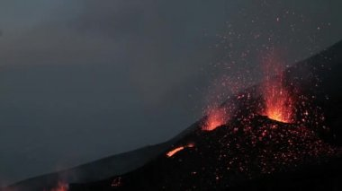 Dawn volcano eruption — Stock Video