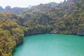 The lagoon called 'Talay Nai' in Moo Koh Ang Tong National Park. — Stock Photo