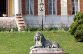 Statue of a lion in Italy — Stock Photo