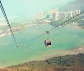 Cableway in Lantau during sunny day — Stock Photo