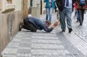 Zostudit žebrák v Praze — Stock fotografie