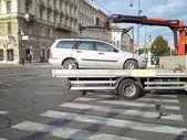 Carro metálico é levado em Viena — Fotografia Stock