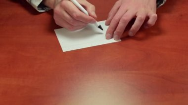 Writing Success on note paper — Vídeo de Stock