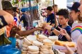 Jatujak market, The famous weekend market on January 25, 2015 in Bangkok — Stock Photo