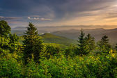 Evening view of the Appalachian Mountains from the Blue Ridge Pa — Stockfoto