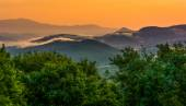 Fog over the Appalachian Mountains at sunset, seen from the Blue — Foto Stock