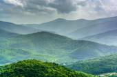Meio-dia vista das Montanhas Apalaches do pa a blue ridge — Fotografia Stock