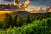 Pôr do sol sobre as montanhas appalachian de caney fork overlook ó — Fotografia Stock