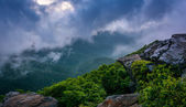 The Blue Ridge in fog, seen from Craggy Pinnacle, near the Blue  — Stock Photo