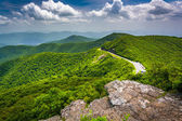 View of the Blue Ridge Parkway and the Appalachian Mountains fro — Stock Photo