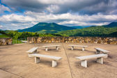 Benches and views of the Appalachian Mountains from Bald Mountai — Foto Stock