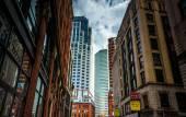Edificios a lo largo de la calle essex en boston, massachusetts. — Foto de Stock