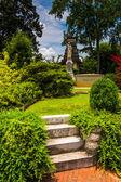 Bushes and gravesite at Oakland Cemetary in Atlanta, Georgia. — Stock Photo