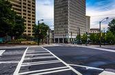 Crosswalk and buildings in downtown Atlanta, Georgia.  — Stock Photo