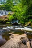 Dam and cascades on the Cullasaja River, Highlands, North Caroli — Stock Photo
