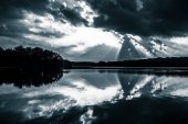 Dramatic sunset sky reflecting in Lake Pinchot, Gifford Pinchot  — Foto Stock