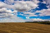 Farm field and rolling hills in rural York County, Pennsylvania. — Stock Photo