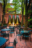 Fountains and outdoor dining area in downtown Lancaster, Pennsyl — Stock Photo