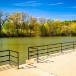 Lake Roland at Robert E. Lee Memorial Park in Baltimore, Marylan — Stock Photo #52591797