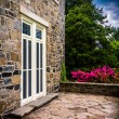 Outdoor patio at the Cylburn Mansion, Cylburn Arboretum, Baltimo — Stock Photo #52597129