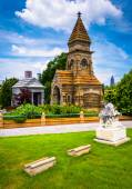 Graves and a mausoleum at Oakland Cemetary in Atlanta, Georgia.  — Stock Photo