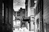 Grungy alley in downtown Baltimore, Maryland. — Stock Photo