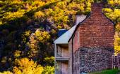 Historic buildings and autumn color in Harpers Ferry, West Virgi — Stock Photo