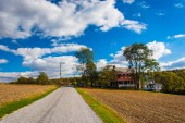 House on country road in rural York County, Pennsylvania.  — Stock Photo