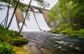 Long exposure of Prettyboy Dam and the Gunpowder River in Baltim — Stock Photo