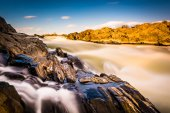 Long exposure of cascades on the Potomac River at Great Falls Pa — ストック写真