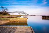 Long exposure of piers in the Patapsco River and the Francis Sco — Stock Photo
