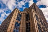 Kijken op een modern gebouw in boston, massachusetts. — Stockfoto