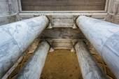 Looking up at columns at the Thomas Jefferson Memorial, Washingt — Stock Photo