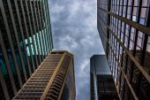 Looking up at modern buildings and a stormy sky in Philadelphia, — Stock Photo