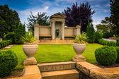 Mausoleum at Oakland Cemetary in Atlanta, Georgia. — Stock Photo