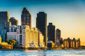 Morning light on the Manhattan skyline, seen from Roosevelt Isla — Stock Photo