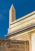 Old architecture and the Washington Monument in Washington, DC.  — Stock Photo