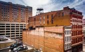 古い建物およびボルティモア、メリーランドの駐車場. — ストック写真