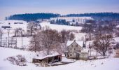 Old house and the snow covered landscape of rural York County, P — Stock Photo