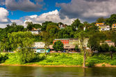 Phillipsburg, New Jersey, seen across the Delaware River from Ea — Stock Photo