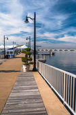 Pier on the Potomac River at National Harbor, Maryland.  — Stock Photo