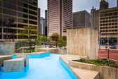 Pools and gardens at McKeldin Square in Baltimore, Maryland.  — Stock Photo
