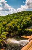 Prettyboy Dam and Gunpowder River, in Baltimore County, Maryland — Stock Photo