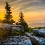Постер, плакат: Sunrise at Bear Rocks Preserve in Dolly Sods Wilderness Monon