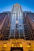 Skyscraper in Midtown Manhattan, New York.  — Stock Photo