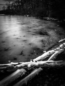 Snow and ice on Sunfish Pond, along the Appalachian Trail in Del — Stock Photo