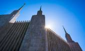 Spires of the Washington DC Mormon Temple in Kensington, Marylan — Stock Photo